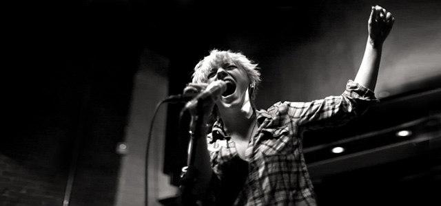 我不唱声嘶力竭的情歌