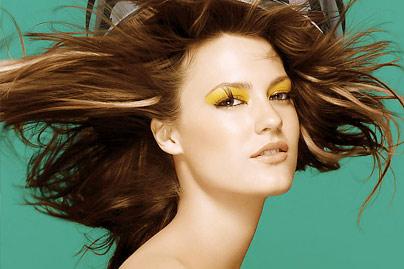 美发套餐:烫发或染发图片